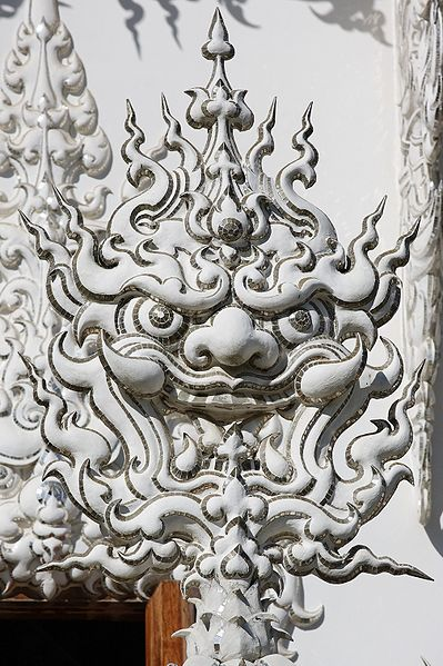 399px Wat Rong Khun 005