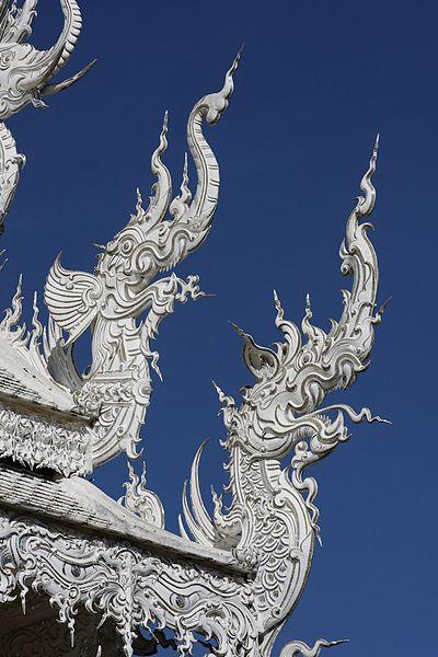 400px Wat Rong Khun 006