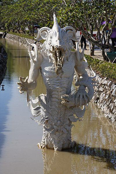 400px Wat Rong Khun 007