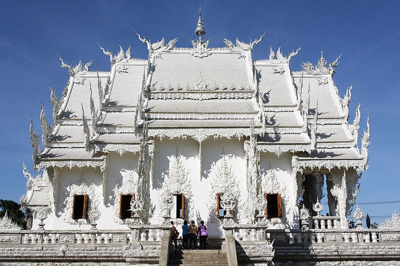 800px Wat Rong Khun 003