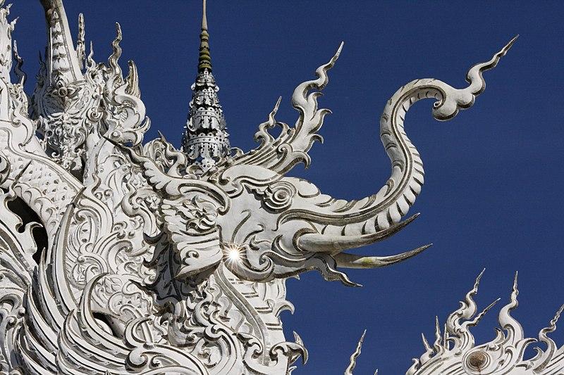 800px Wat Rong Khun 009
