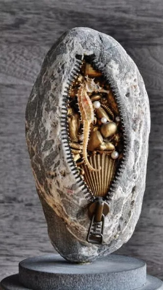 Paris Art Web Sculpture Hirotoshi Ito Seahorse