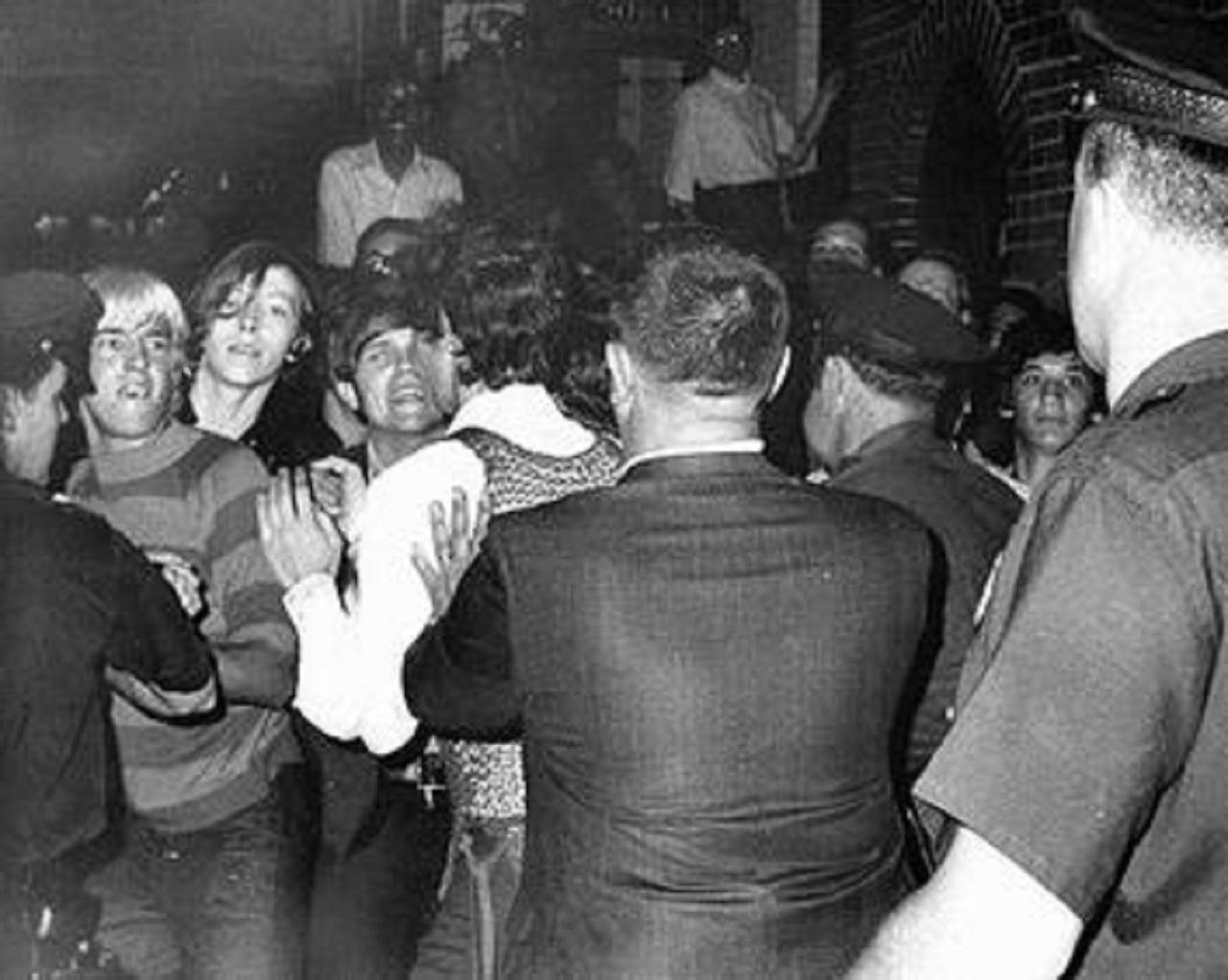 Moti Stonewall Inn